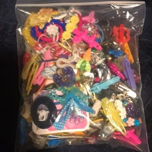Bundle of little girls hair clips and hair acces